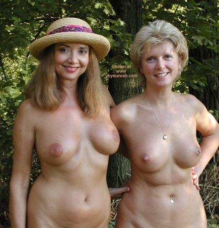 2 nude women photos