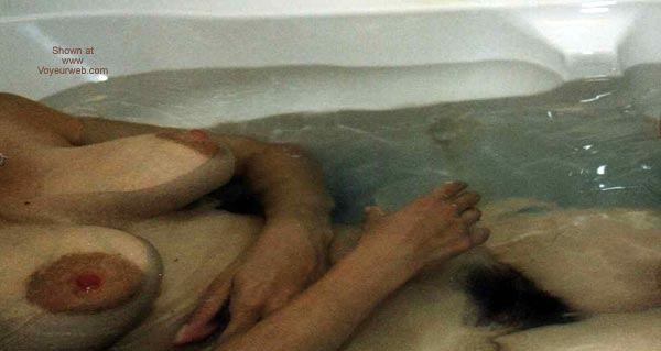 Pic #1 Wife In Tub