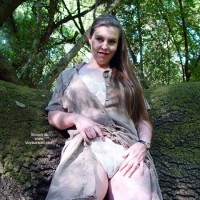 Bbw Vicki Gets Naked In The Forest