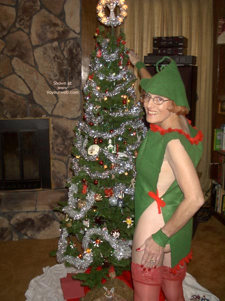 Pic #1 *Xm  Supergal Is Santa'S Elf