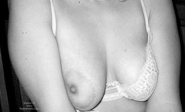 Pic #1 20yrs Old B/W Big Nipples From Italy !