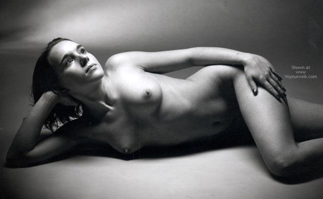 Erotic Pose - Erotic Pose , Erotic Pose, Artsy Black  White, Black And White Picture, Artistic Picture