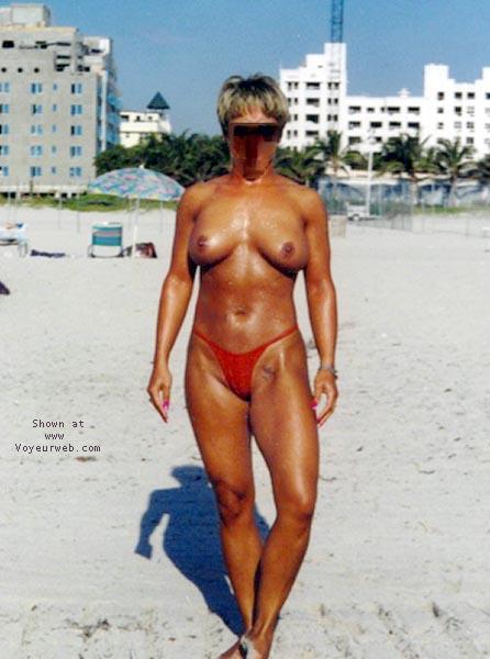 Pic #1 beach babe 4