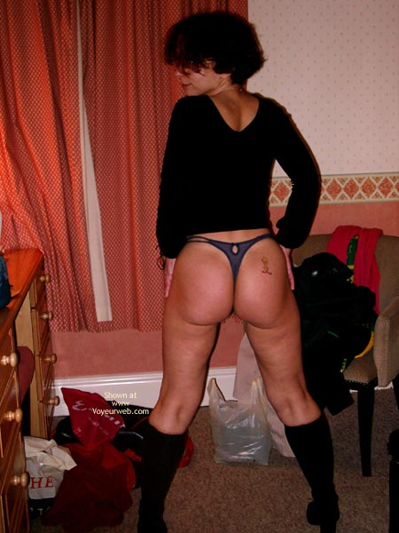 Pic #1Bubble Butt 4 Tight Red Skirt And Boots