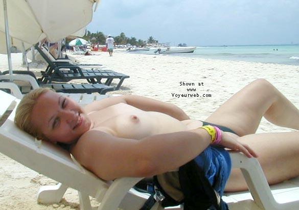 Pic #1 Kristen in Cancun