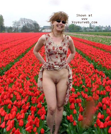 Pic #1 Wijfie having fun with tulips