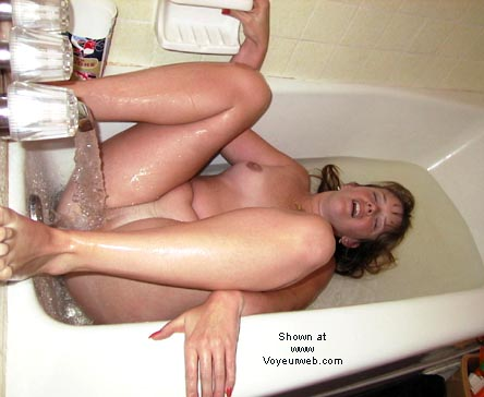 Pic #1 *WB Andy Enjoys Her Bath