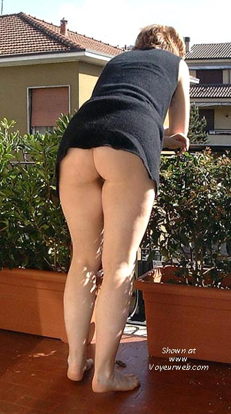 Pic #1 Nude in Italy 4