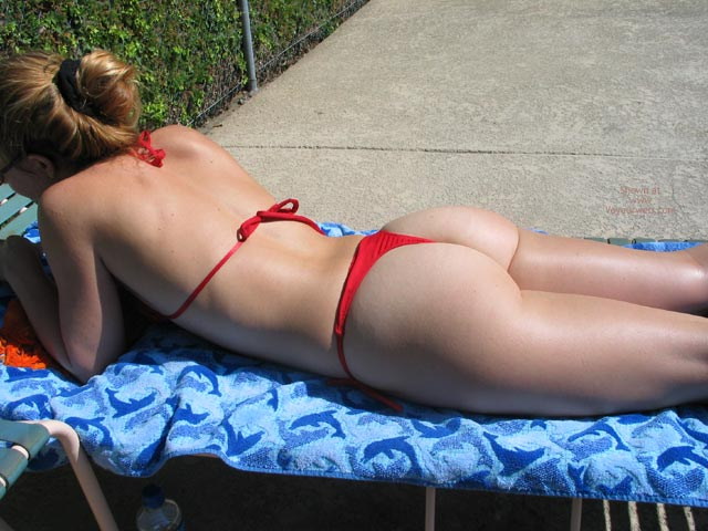 Pic #1 Badkitty Poolside