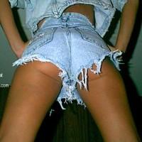 Short legs in Short Shorts