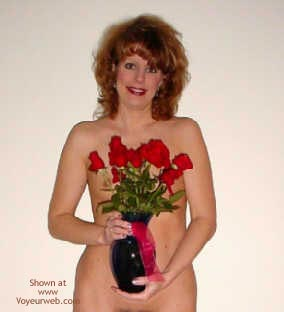 Pic #1 Gorgeous Wife Gets Flowers