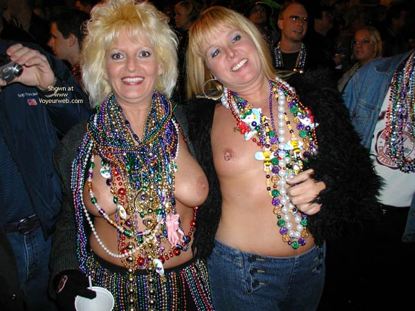 Pic #1 Stlouisfungirlmeetsflashinggal At Fat Tuesday