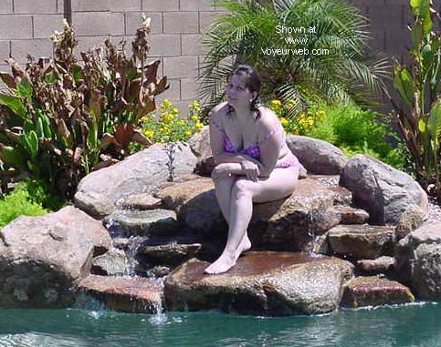 Pic #1 *UW Wife in the Pool