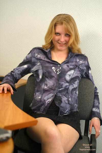 Pic #1Sex In Office
