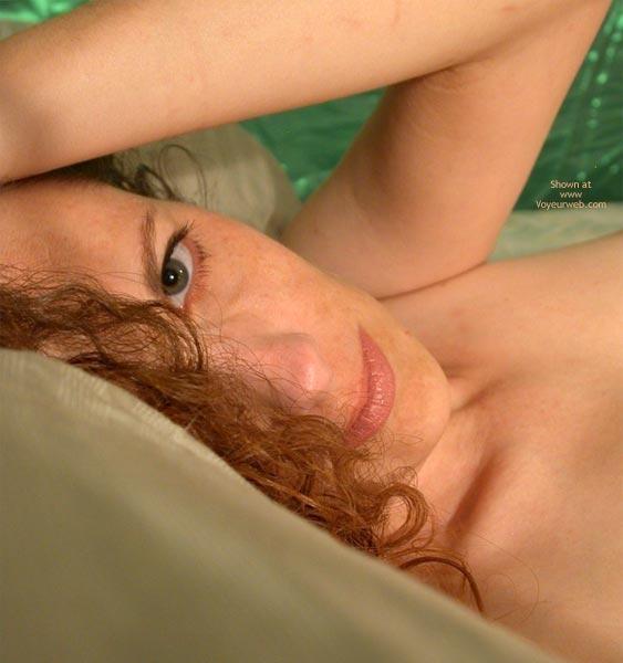 Close-up , Close-up, Brunette