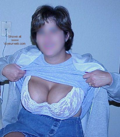 Pic #1 Big Tittie and Hairy Bush Alert 3
