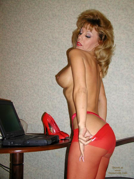 Pic #1 Sammie Red Hot