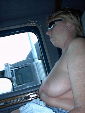 Pic #1 Rhonda Flashing Truckers