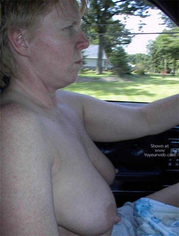 Pic #1 Rhonda Flashing In The Car