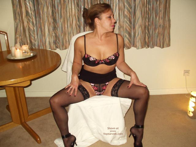 Pic #1 Bi Curious London Wife 2