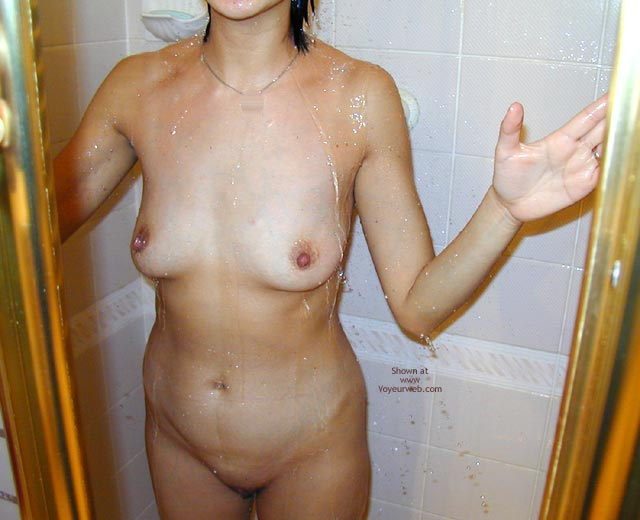 Pic #1Asian Wife Doesn'T Have A Clue