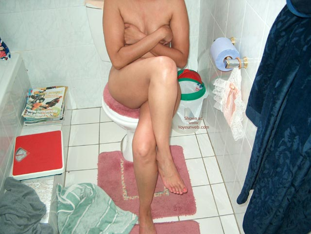 Pic #1 The Horny Babe After Shower