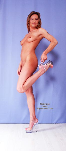 Pic #1 Susy Rocks My New Plateau Heels