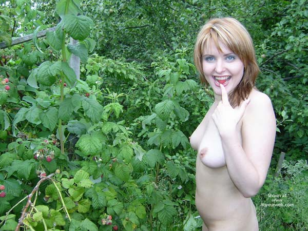 Eating Berries - Nude Outdoors , Eating Berries, Nude Outside, Red Head With Blue Eyes