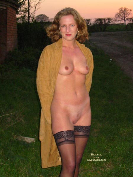 Pic #1 Saucyminx Naked Outside 1