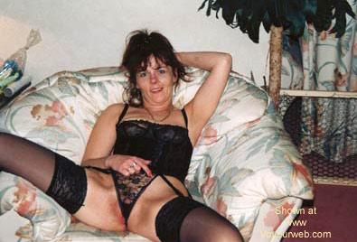 Pic #1 Oksana is back in black