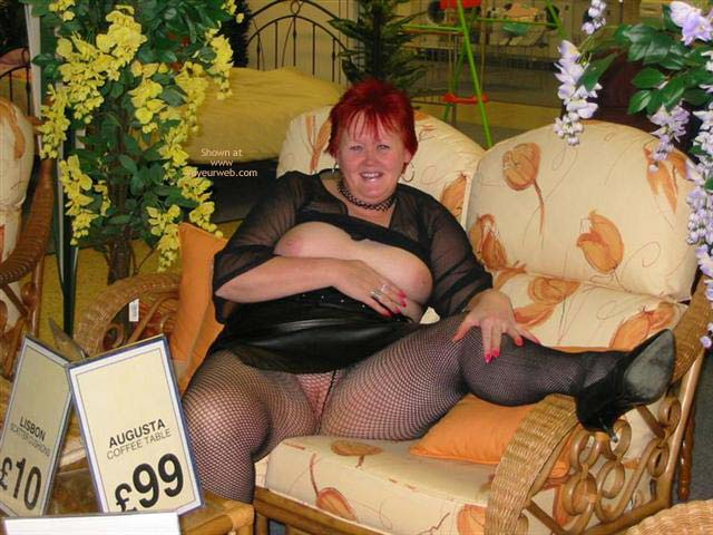 Pic #1 Val At The Shops