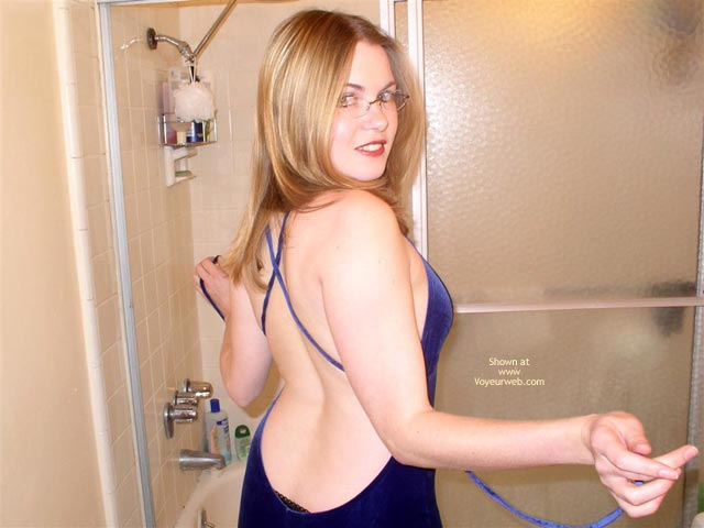 Pic #1 Cynthia 19 Shower Fun