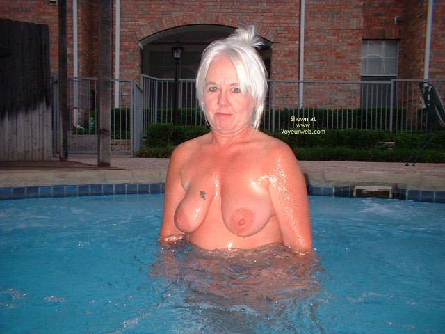 Pic #1 Tammy In The Hot Tub