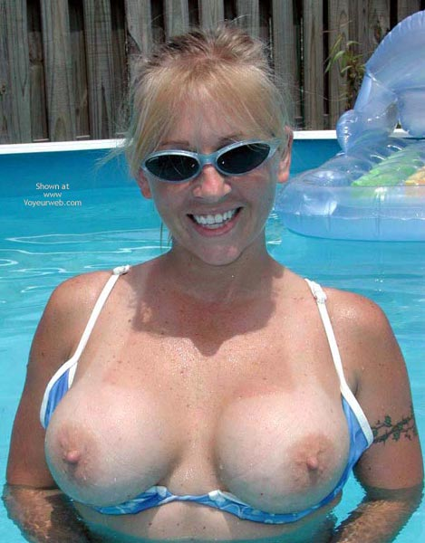 Think, that blonde with big tits glasses amateur
