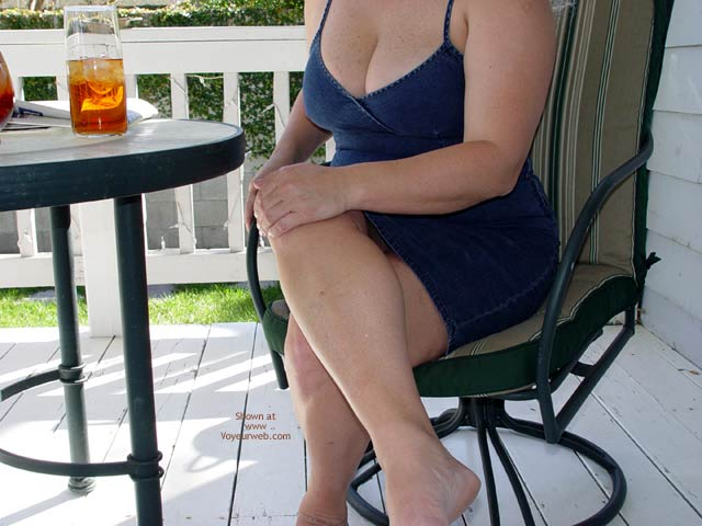 Pic #1 Curvy Kay On The Porch
