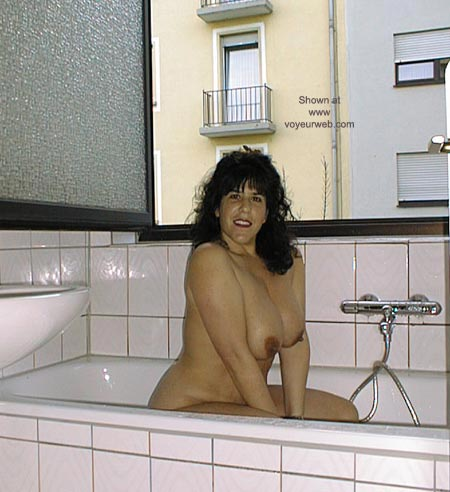Pic #1 Victoria in the Tub
