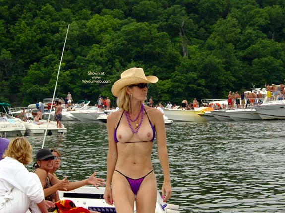 Tits Exposed - Topless Outdoors, Sexy Body , Tits Exposed, Topless Outdoors, Purple Panties, Tight Body, Purple Bikini, Eip Party