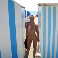 Nude On Beach - Nude Beach, Nude In Public , Nude On Beach, Nude In Public, Nude Fun In The Sun, Smile