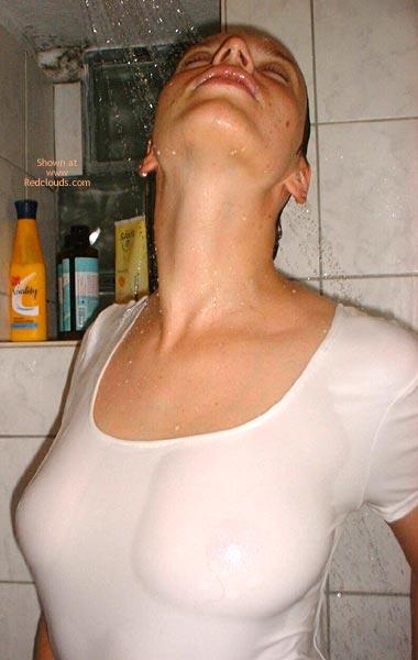 Pic #1Kati Gets Wet