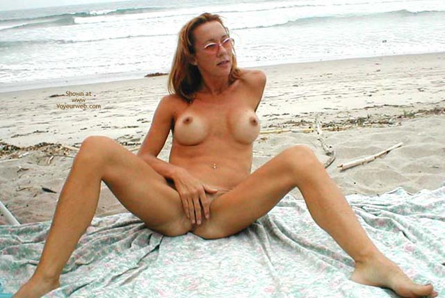 Pic #1 Kim4kate Cold/Hot Day At The Beach 1