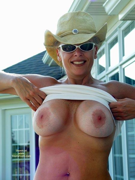 Big Breast - Big Nipples, Milf, Navel Piercing, Nude Outdoors , Big Breast, Flashing Breasts In Public, Pierced Navel, Blonde In Cowboy Hat, Outside, Big Nipples, Milf, Big Nipple