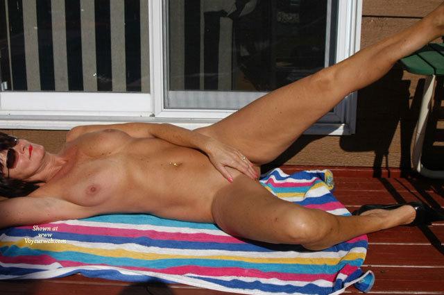 Clip model naked