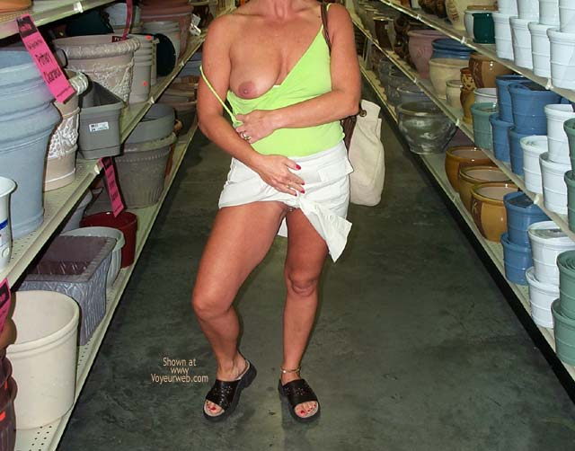 Pic #1 Denise Shopping Trip