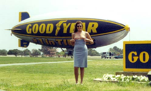 Pic #1 Hollywood Flasher at The Goodyear Blimp 1