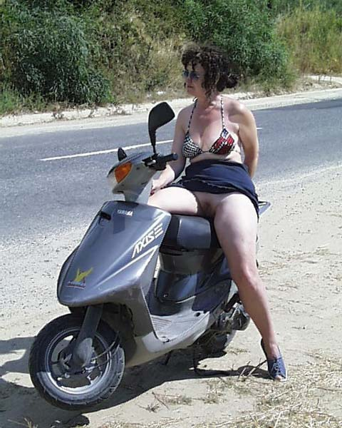 Pic #1 Trish, Hols in Greece