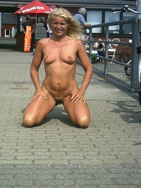 Exhibitionist - Exhibitionist, Full Nude, Kneeling , Exhibitionist, Fully Nude , Kneeling
