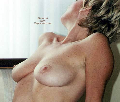 Pic #1 Italian Lady Needs Encouragement