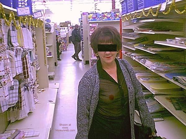 Pic #1 Dub's Wife Xmas Shopping