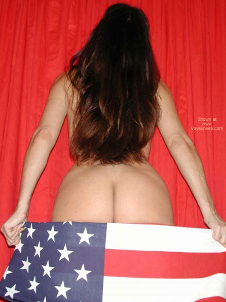 Pic #1 *YO Isabella Salutes The Troops *2*