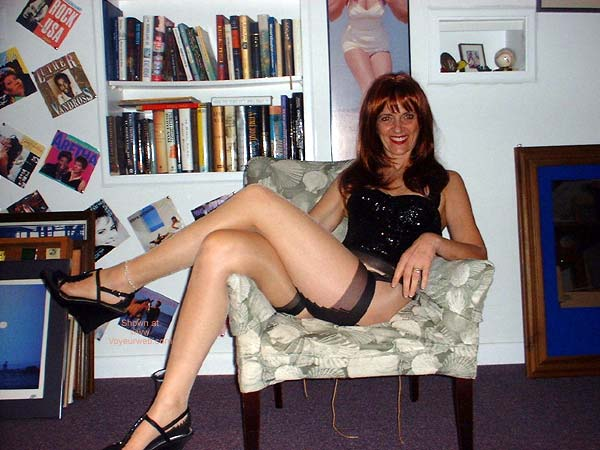 Pic #1 Red-head Laila in Cuban Heels